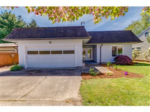 Photo of 750 NE 15TH ST, McMinnville, OR 97128 (MLS # 19667782)