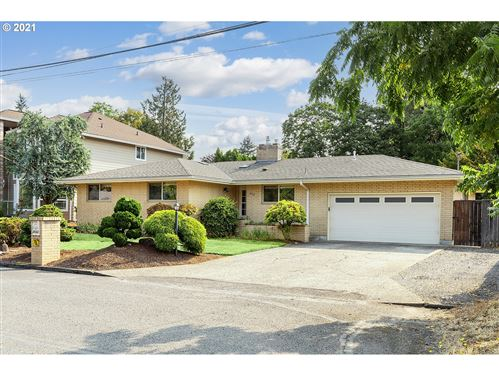 Photo of 2042 SE 138TH AVE, Portland, OR 97233 (MLS # 21171783)