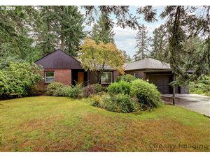 Photo of 2226 SW MITCHELL ST, Portland, OR 97239 (MLS # 19610784)
