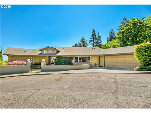 Photo of 800 NW POWHATAN TER, Portland, OR 97210 (MLS # 19450787)