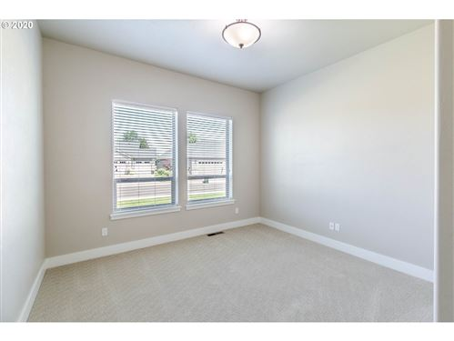 Tiny photo for 164 HAGENS CT, Creswell, OR 97426 (MLS # 20142788)