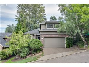 Photo of 2719 SW LEAH CT, Portland, OR 97219 (MLS # 19195790)