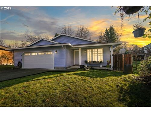 Photo of 10660 SW PATHFINDER WAY, Tigard, OR 97223 (MLS # 19303790)