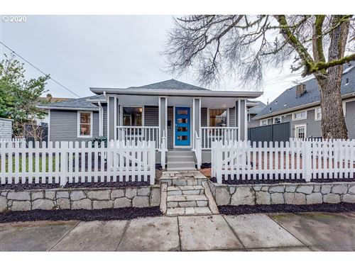 Photo of 8615 SE 15th, Portland, OR 97202 (MLS # 20314792)