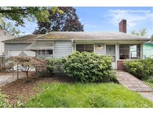 Photo of 8815 N HAVEN AVE, Portland, OR 97203 (MLS # 19547797)