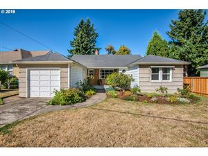 Photo of 4727 SE 41ST AVE, Portland, OR 97202 (MLS # 19149798)