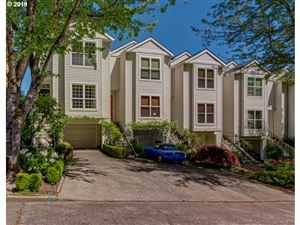 Photo of 5020 SW VIEW POINT TER, Portland, OR 97239 (MLS # 19156800)