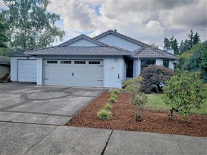 Photo of 1477 SE 49TH CT, Hillsboro, OR 97123 (MLS # 19437800)