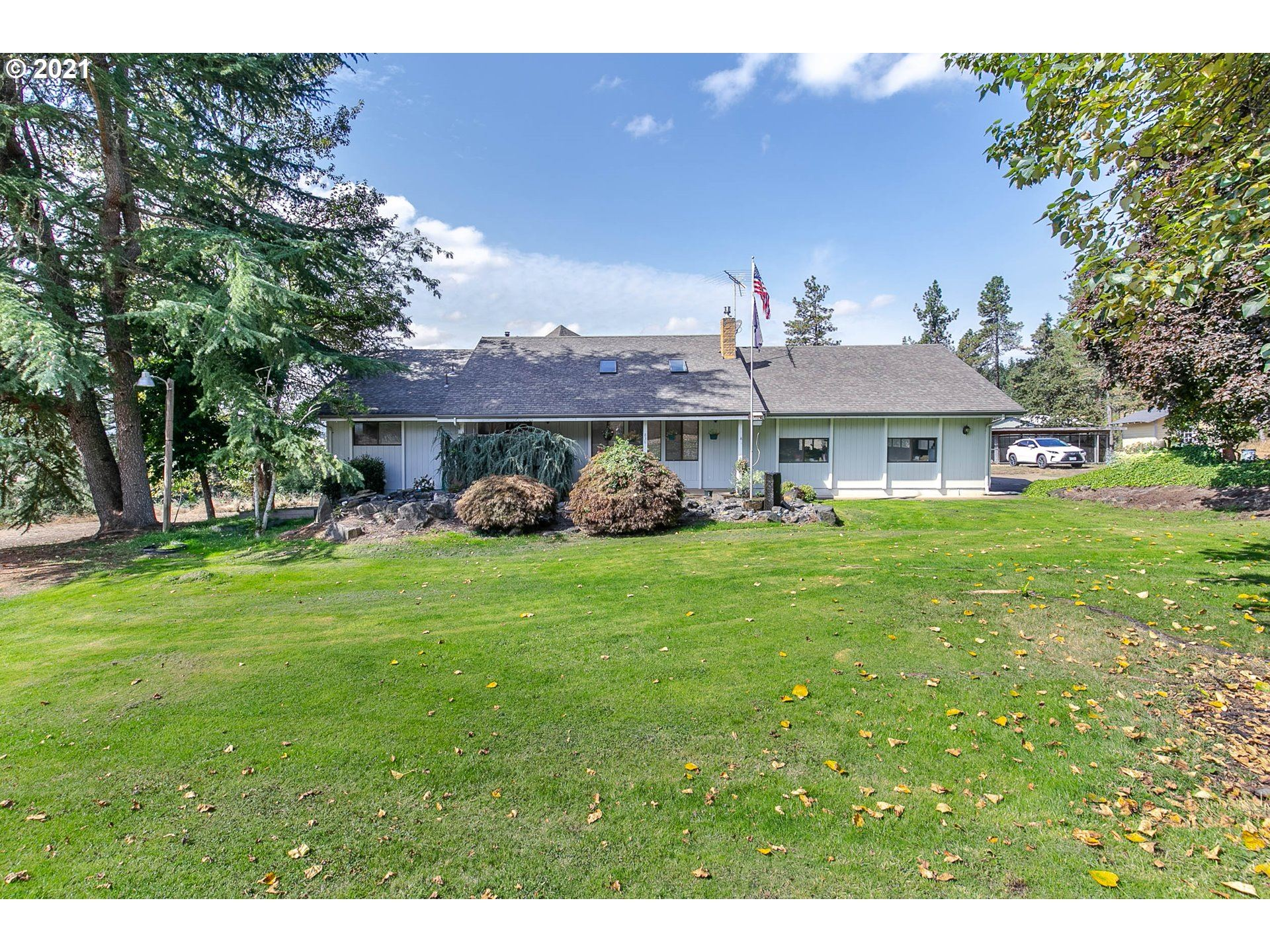 Photo for 83811 S MORNINGSTAR RD, Creswell, OR 97426 (MLS # 21171800)