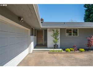 Photo of 9140 SW 35TH AVE, Portland, OR 97219 (MLS # 19209801)