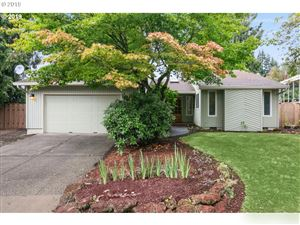 Photo of 18185 DAHLAGER ST, Sandy, OR 97055 (MLS # 19307804)