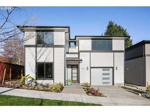 Photo of 451 SW CALIFORNIA ST, Portland, OR 97219 (MLS # 19527804)