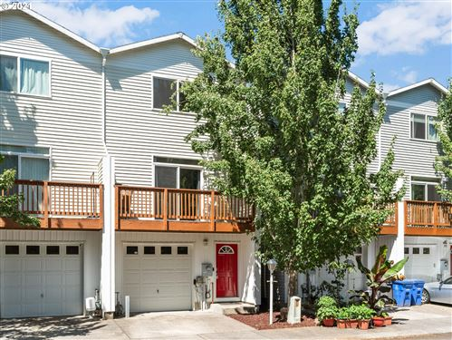 Photo of 6718 SE 81ST AVE, Portland, OR 97206 (MLS # 21612807)