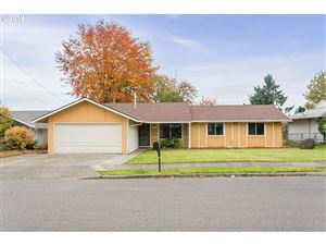 Photo of 15330 SE YAMHILL ST, Portland, OR 97233 (MLS # 19153808)