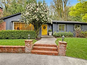 Photo of 1685 SW MIDVALE RD, Portland, OR 97219 (MLS # 19389809)