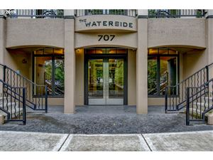 Photo of 707 N HAYDEN ISLAND DR 219 #219, Portland, OR 97217 (MLS # 19667811)