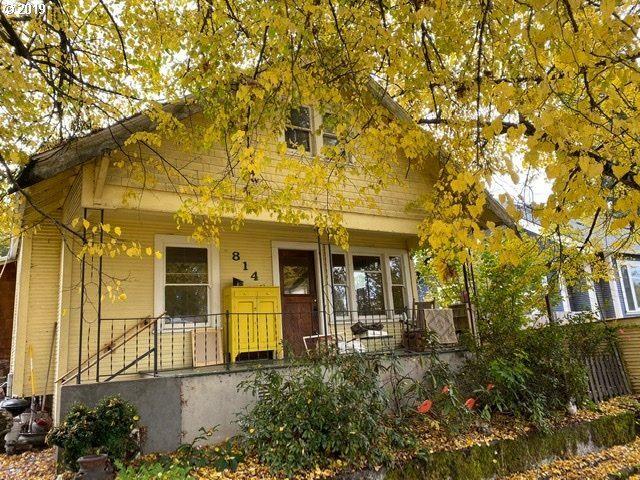814 SE Sherrett St, Portland, OR 97202 - MLS#: 19147811