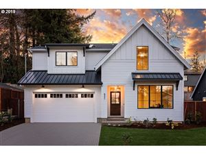 Photo of 8321 SW 39TH AVE, Portland, OR 97219 (MLS # 19246813)