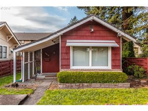 Photo of 4015 SE Carlton ST, Portland, OR 97202 (MLS # 19492819)