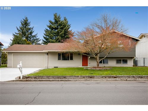 Photo of 708 NW 87TH ST, Vancouver, WA 98665 (MLS # 20670819)