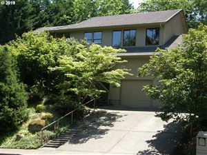 Photo of 6400 SKYLINE DR, West Linn, OR 97068 (MLS # 19531820)