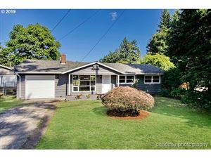 Photo of 2234 SE 117TH AVE, Portland, OR 97216 (MLS # 19121821)