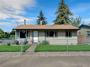 Photo of 10105 SE KNIGHT ST, Portland, OR 97266 (MLS # 19688821)