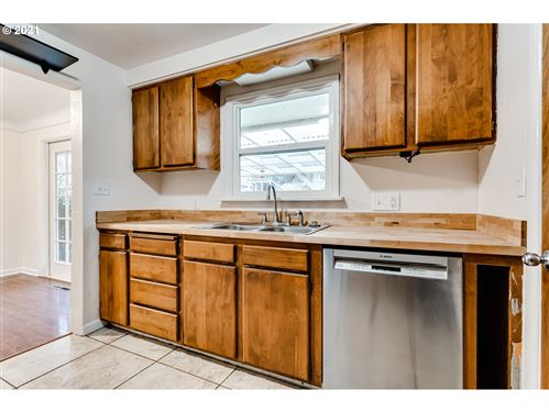 Tiny photo for 158 ROSEWOOD AVE, Eugene, OR 97404 (MLS # 21385821)