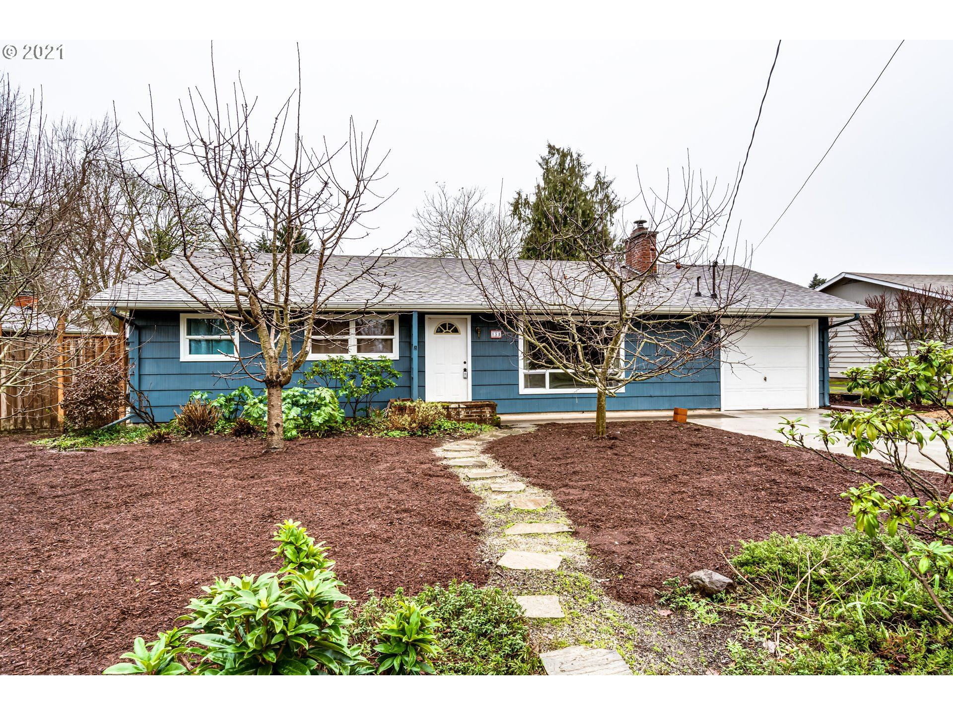 Photo for 158 ROSEWOOD AVE, Eugene, OR 97404 (MLS # 21385821)