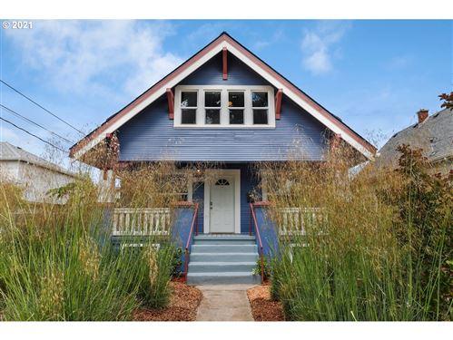 Photo of 7803 SE WOODSTOCK BLVD, Portland, OR 97206 (MLS # 21152822)