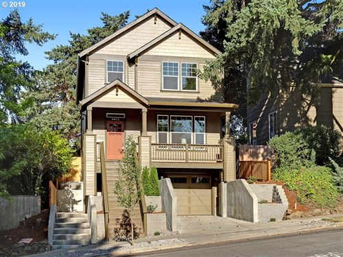Photo of 8473 SW 11th AVE, Portland, OR 97035 (MLS # 19193824)