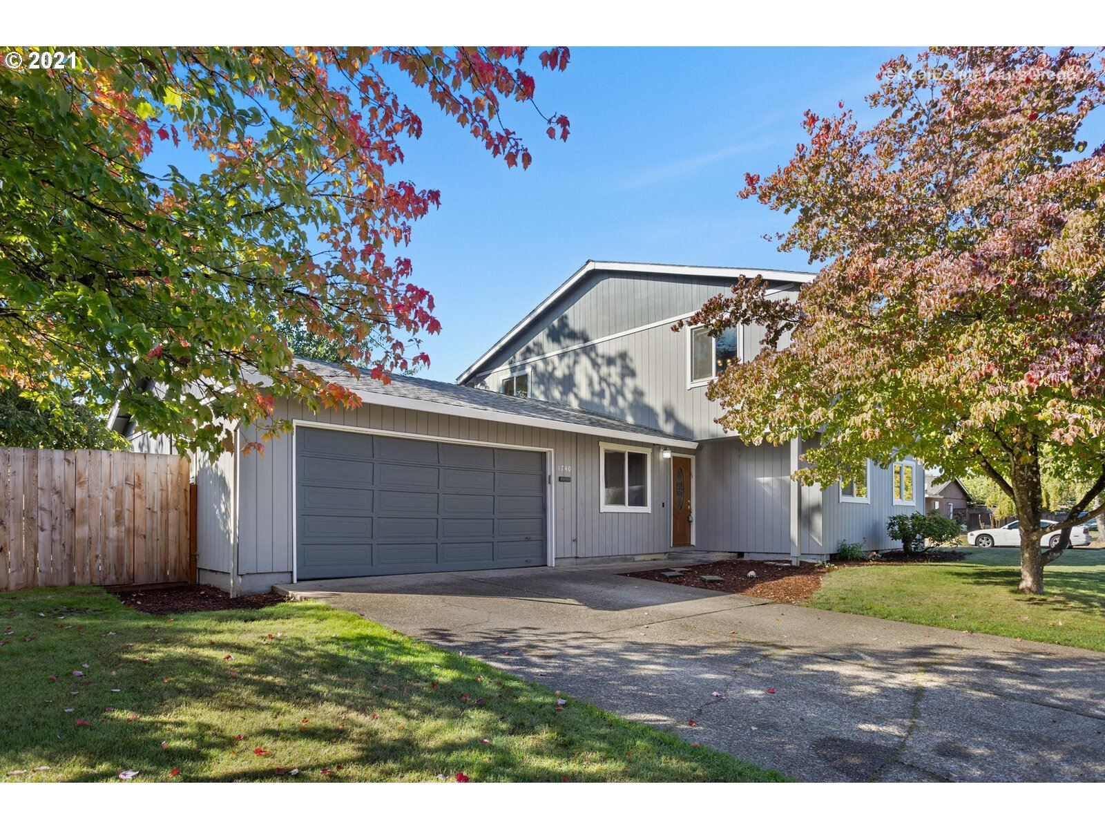 Photo of 1740 SW TAMARACK ST, McMinnville, OR 97128 (MLS # 21694826)