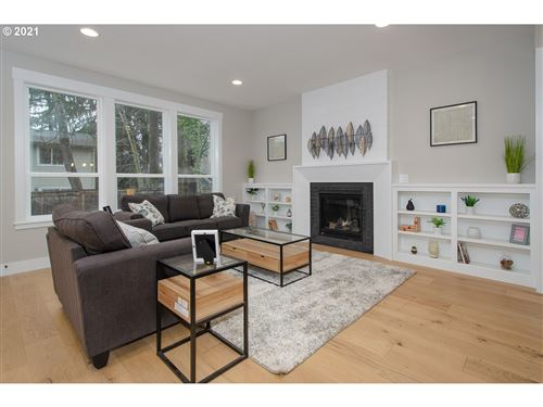 Tiny photo for 4525 SW ARNOLD ST, Portland, OR 97219 (MLS # 21529829)