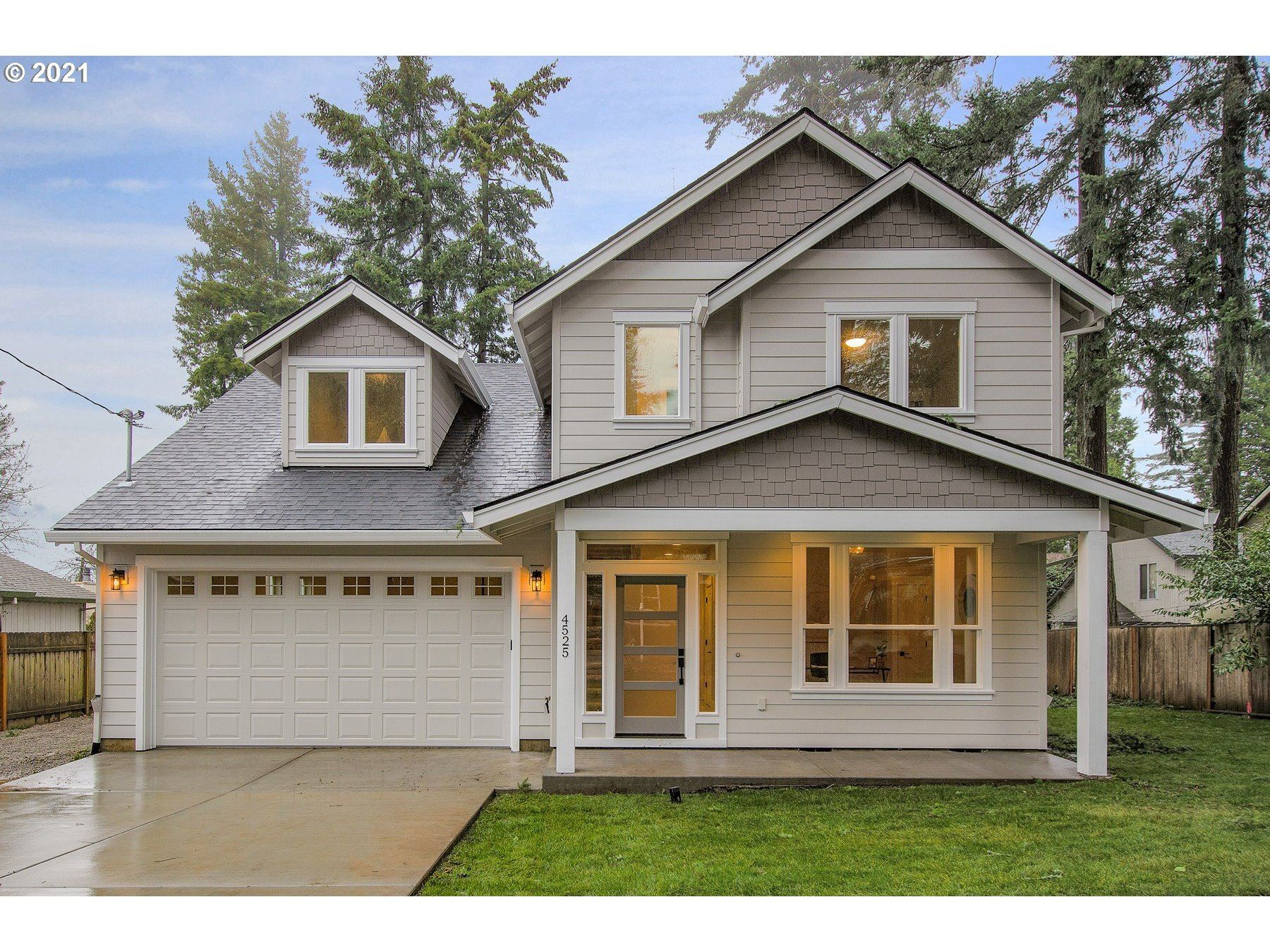 Photo for 4525 SW ARNOLD ST, Portland, OR 97219 (MLS # 21529829)