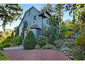 Photo of 2960 NW QUIMBY ST, Portland, OR 97210 (MLS # 19009831)