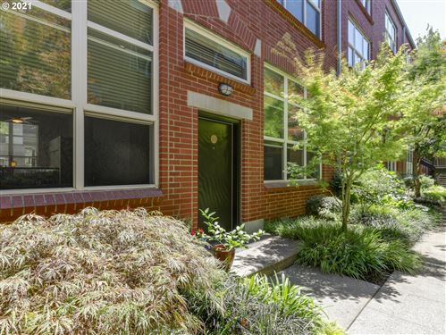 Photo of 1009 NW HOYT ST #104, Portland, OR 97209 (MLS # 21520831)