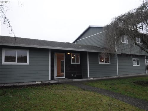 Photo of 1664 SW SESAME ST, McMinnville, OR 97128 (MLS # 19393833)