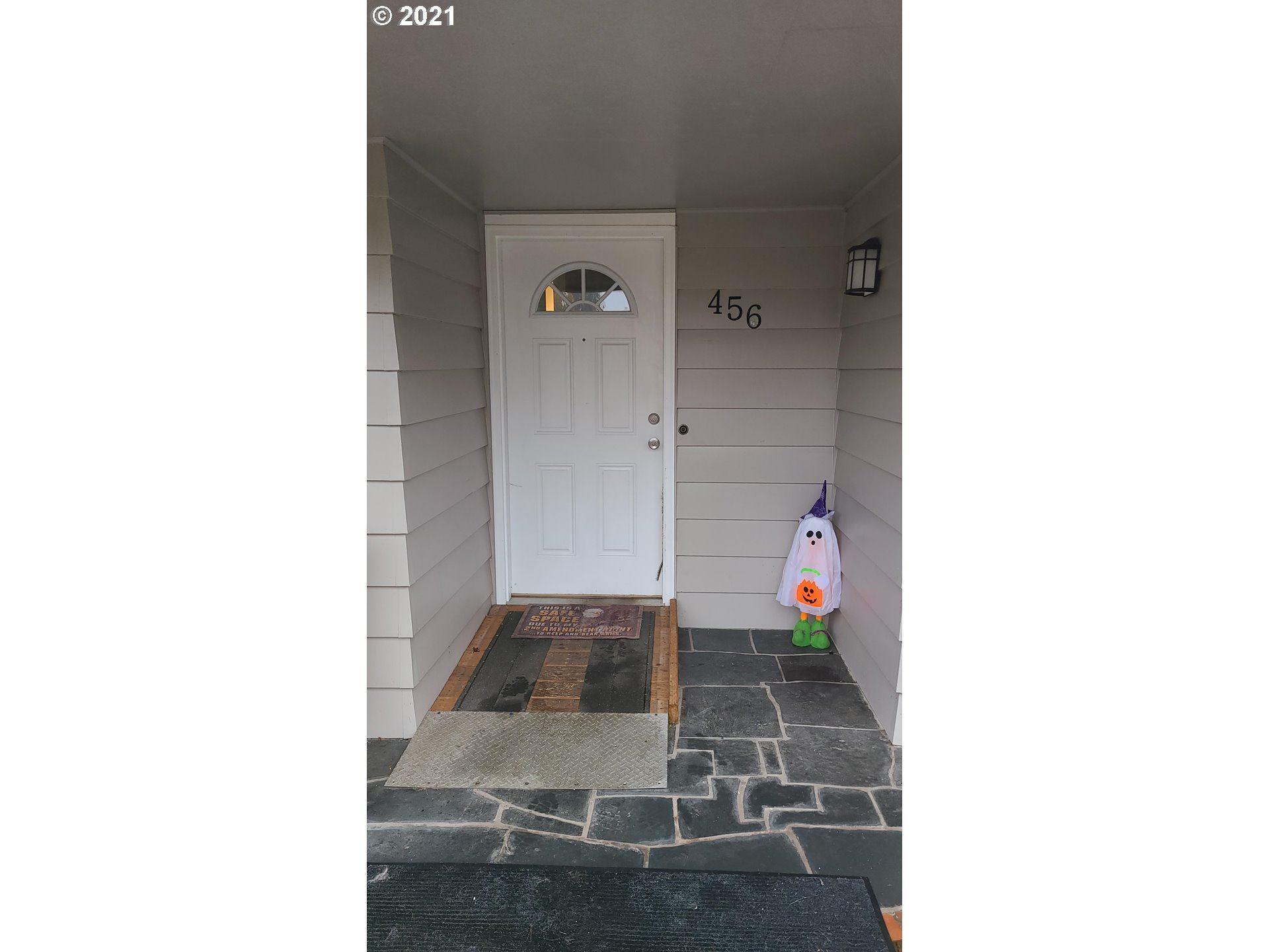 Photo of 456 SW CHAPMAN ST, Sheridan, OR 97378 (MLS # 21544834)