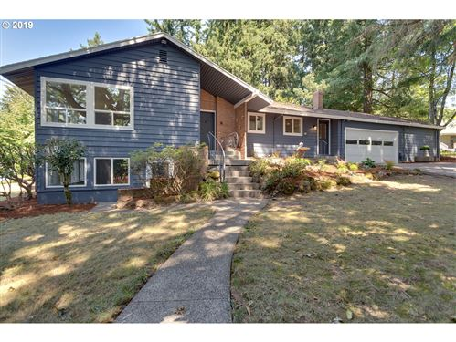 Photo of 10450 SW 53RD AVE, Portland, OR 97219 (MLS # 20665837)
