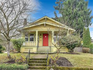 Photo of 7304 N JERSEY ST, Portland, OR 97203 (MLS # 19373839)