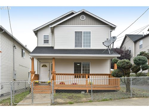 Photo of 3011 SE 92ND AVE, Portland, OR 97266 (MLS # 19232842)