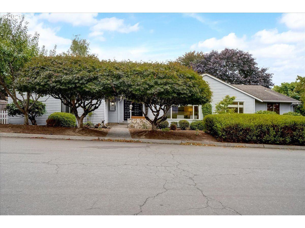 3210 SE SCHILLER ST, Portland, OR 97202 - MLS#: 21357843