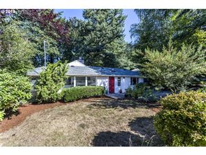 Photo of 5047 SW 26TH DR, Portland, OR 97239 (MLS # 19288844)