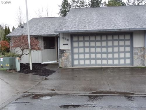 Photo of 910 NW SUMMERWOOD DR, McMinnville, OR 97128 (MLS # 19122850)