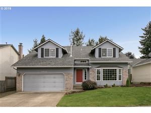 Photo of 13044 SW LAURMONT DR, Tigard, OR 97223 (MLS # 19395850)