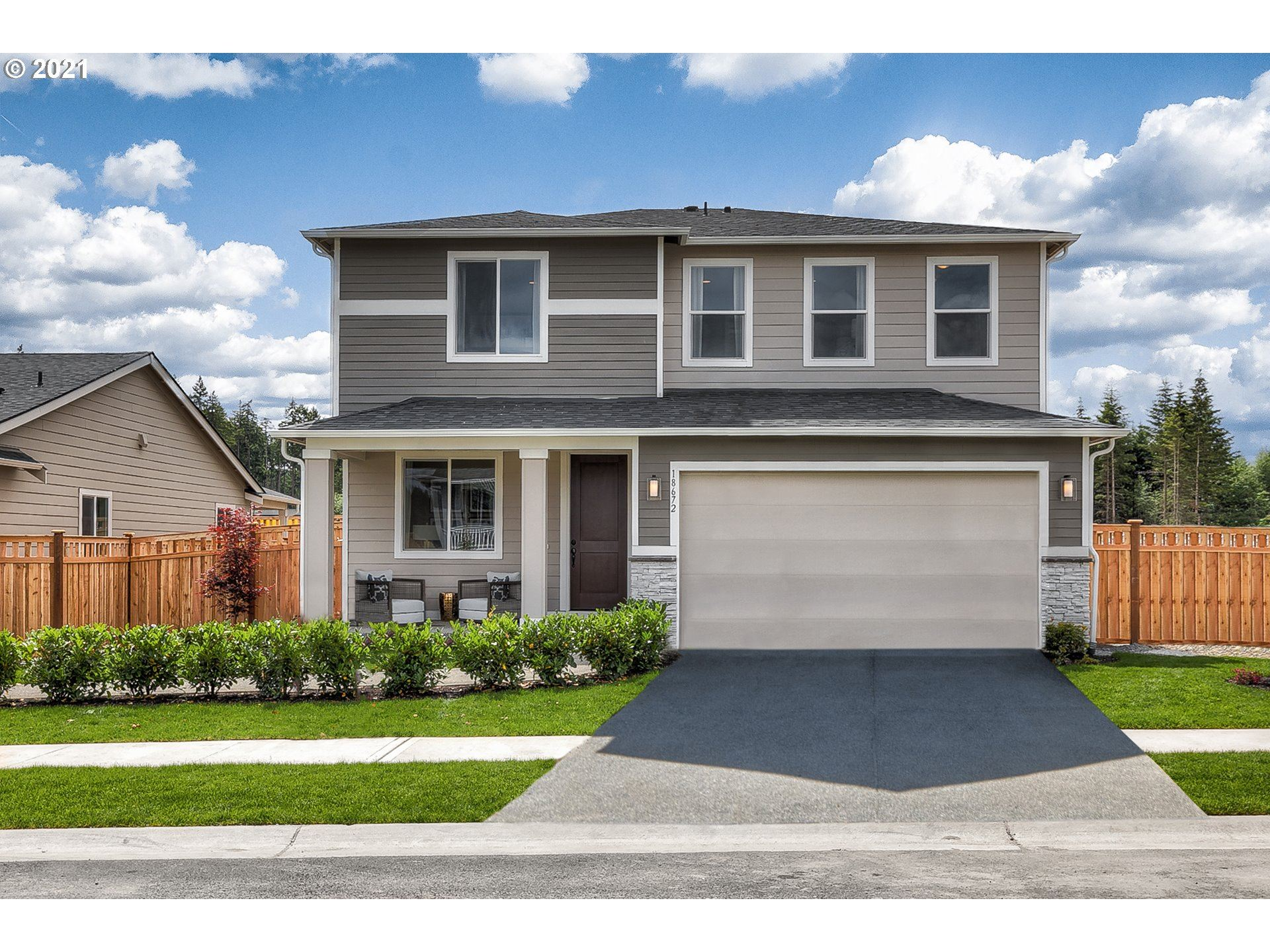 Photo of 1531 NE 12th PL, Canby, OR 97013 (MLS # 21654850)