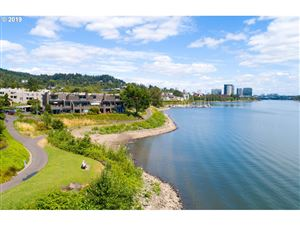 Photo of 5824 SW RIVERPOINT LN, Portland, OR 97239 (MLS # 19543853)