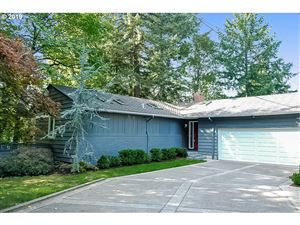 Photo of 3251 NW LURAY TER, Portland, OR 97210 (MLS # 19178854)