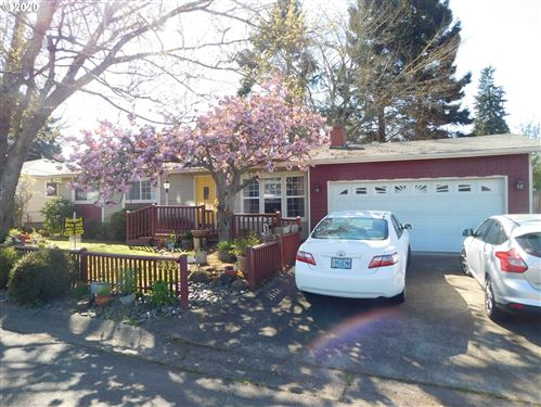 Photo of 232 W SUSAN ST, Roseburg, OR 97471 (MLS # 20692854)