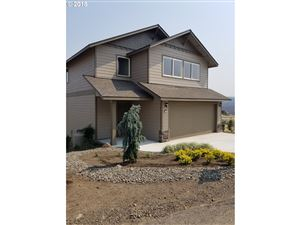 Photo of 409 LITTLE LAKE RD, Maupin, OR 97037 (MLS # 18115856)